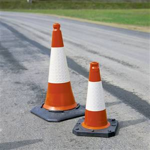 2-piece-traffic-cone-tc1_cms_site_products_images_1810-1-3197_300_300_False.jpg