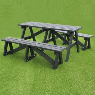 A Frame Deluxe Tables with Seating