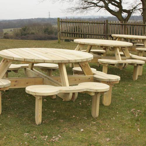 636245716716275530_vauxhall-large-round-picnic-table5_web500.jpg