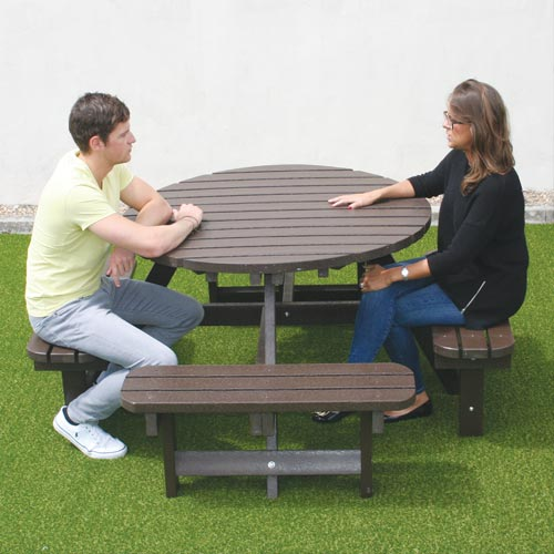 636259709855661458_round-picnic-table.jpg