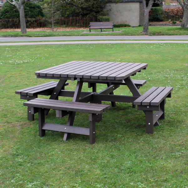 636905731172305717_square-picnic-table-poole-park.jpg