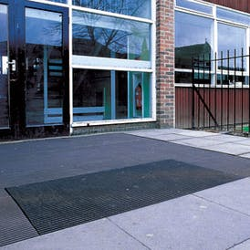 Flexible Mesh Entrance Runner