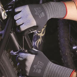 Showa 381 Oil Resistant Assembly Gloves