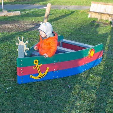 First Mate Play Boat