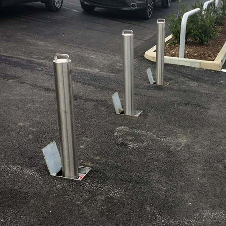 Retractable Bollard - Integral Lock - 745mm above ground