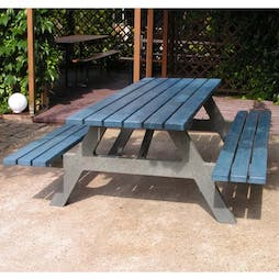 Lincoln Picnic Table