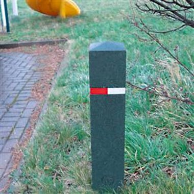 Berkeley Recycled Rubber Bollard