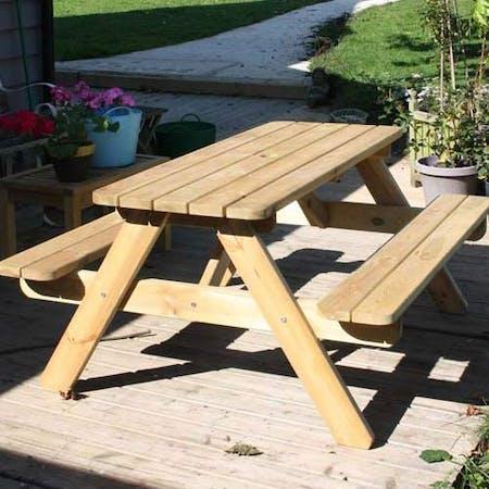 Twickenham Picnic Table
